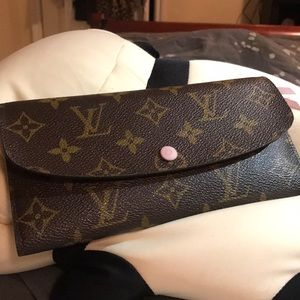 Louis Vuitton Emelie Rose Ballerine Wallet